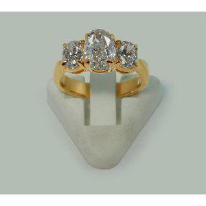 2.81 cts. Oval diamonds three stone engagement rin